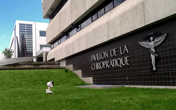 Exterior shot of Universite du Quebec a Trois-Riveres